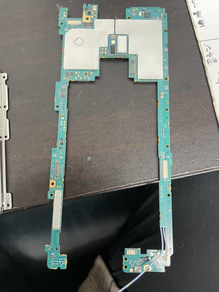 Xperia XZ3 画面割れ 画面修理 基盤移植 新宿