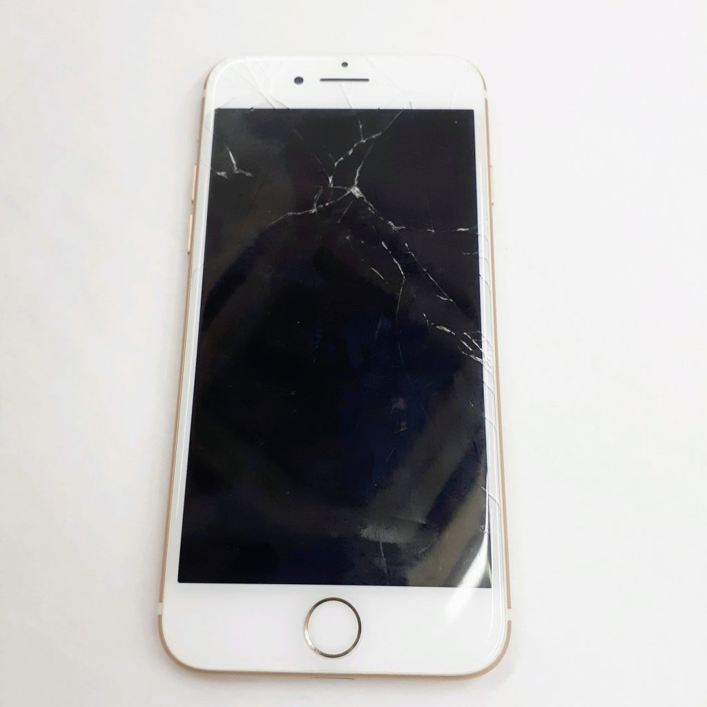 【iPhone7】画面割れの交換修理実績